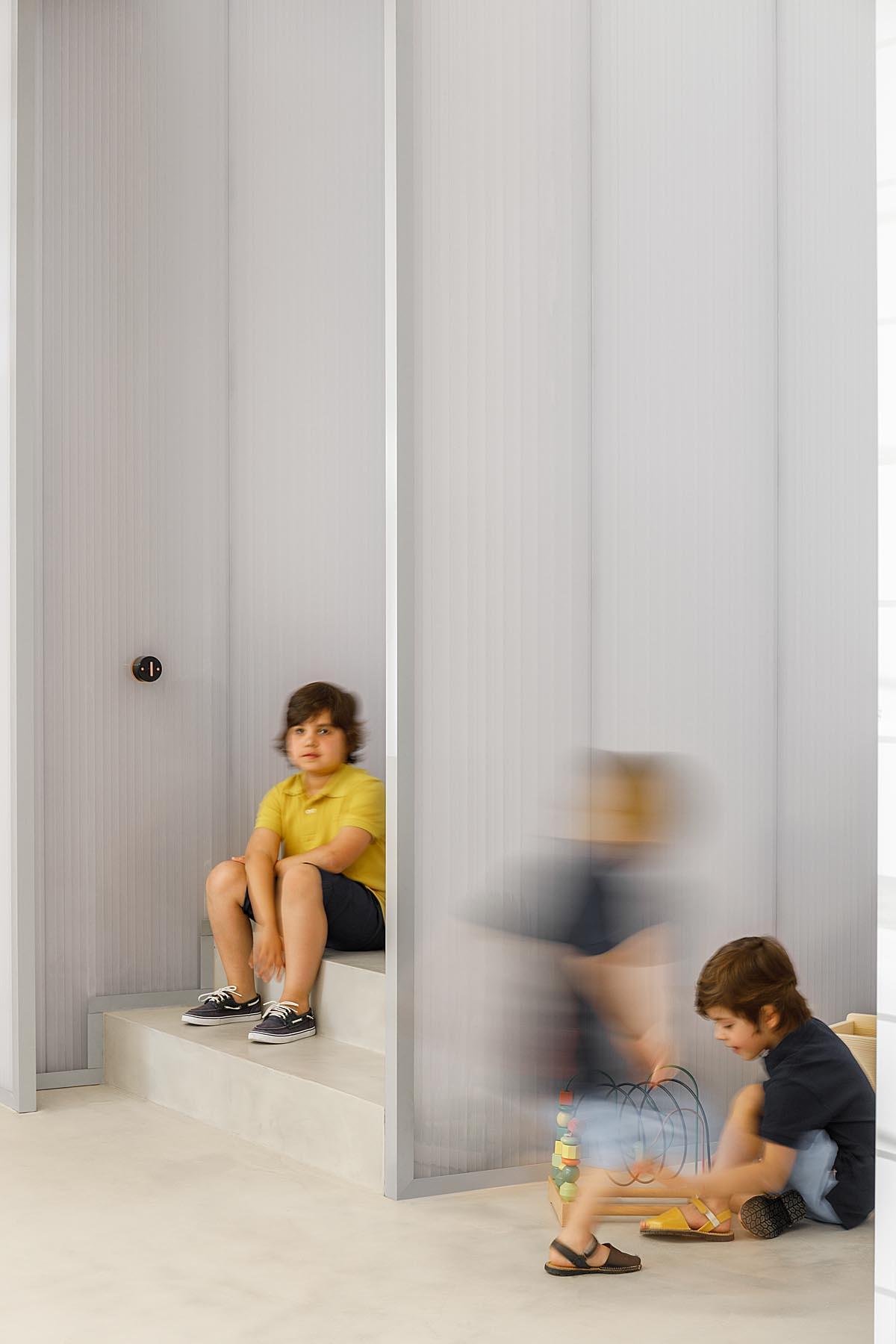 Loja de Roupa infantil Morinha em Vila Meã, arquitetura Stu.der