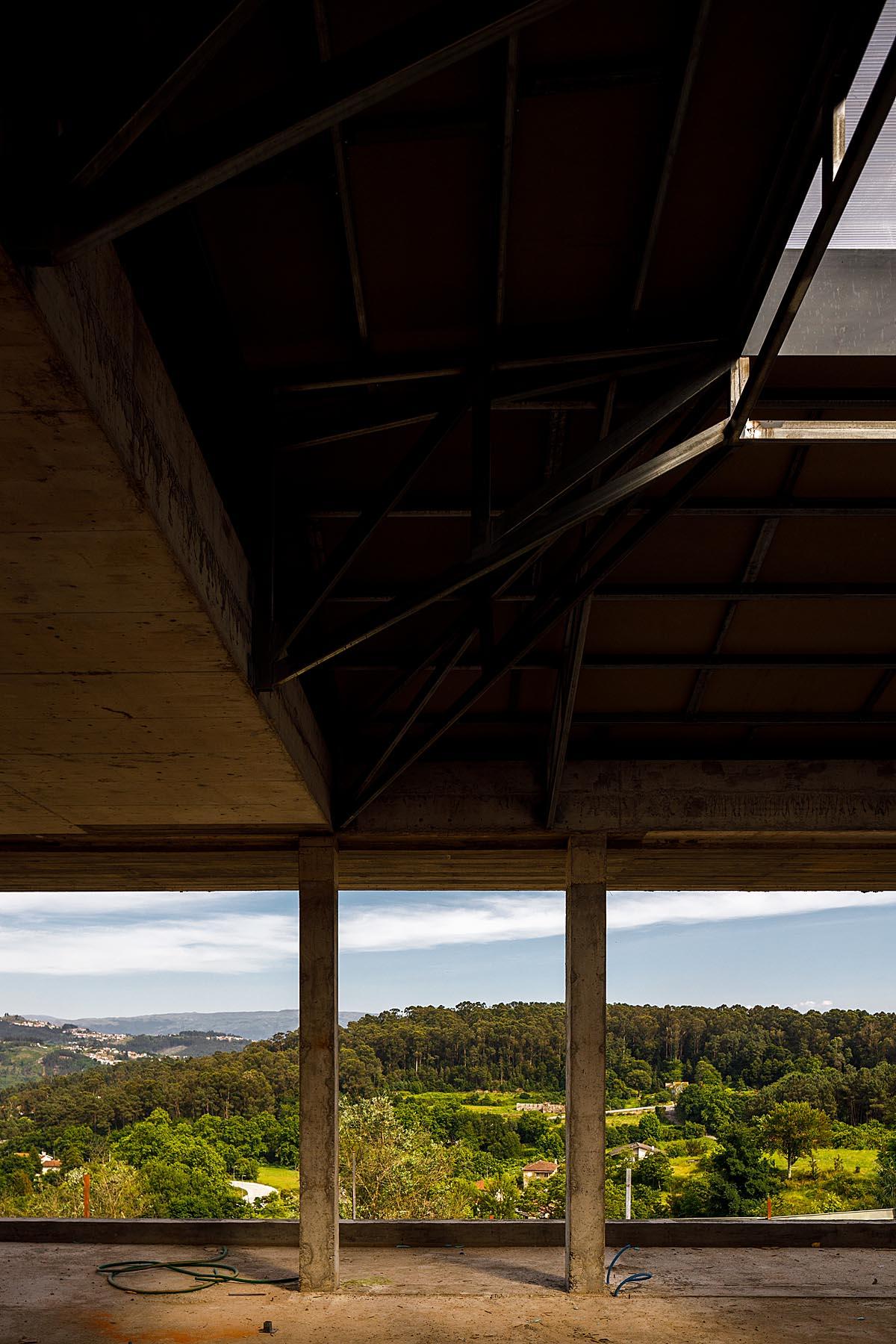 Obra Casa em Amarante do Atelier Stu.dere com fotografia de Arqu